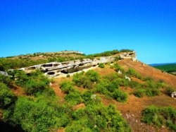 Крымский пещерный город Бакла